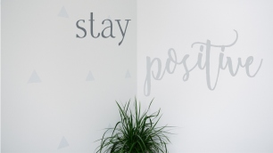stay-positive-desktop