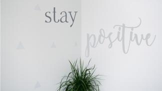 stay-positive-desktop