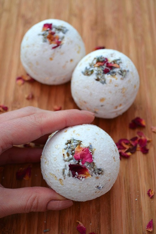 natural-bath-bombs1.jpg